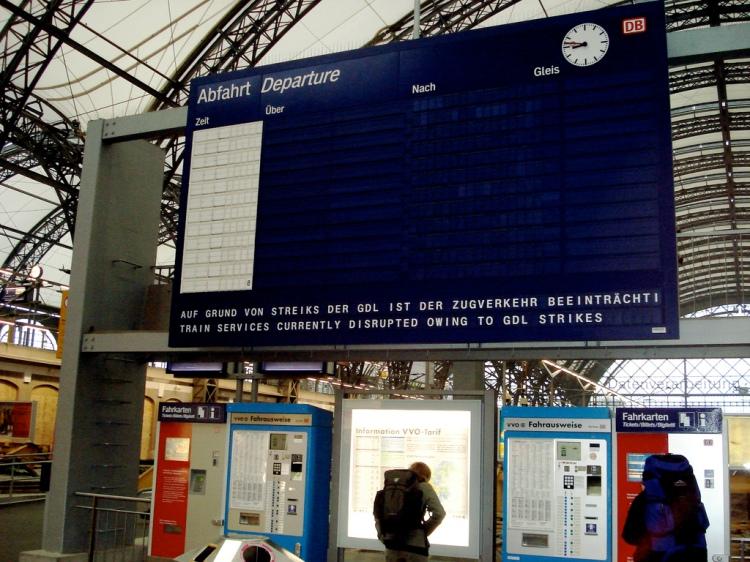 Nichts geht mehr: Die Gewerkschaft der Lokführer legt den Zugverkehr lahm // photo: